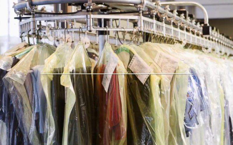 Хочешь помочь женщине – завези одежду в химчистку